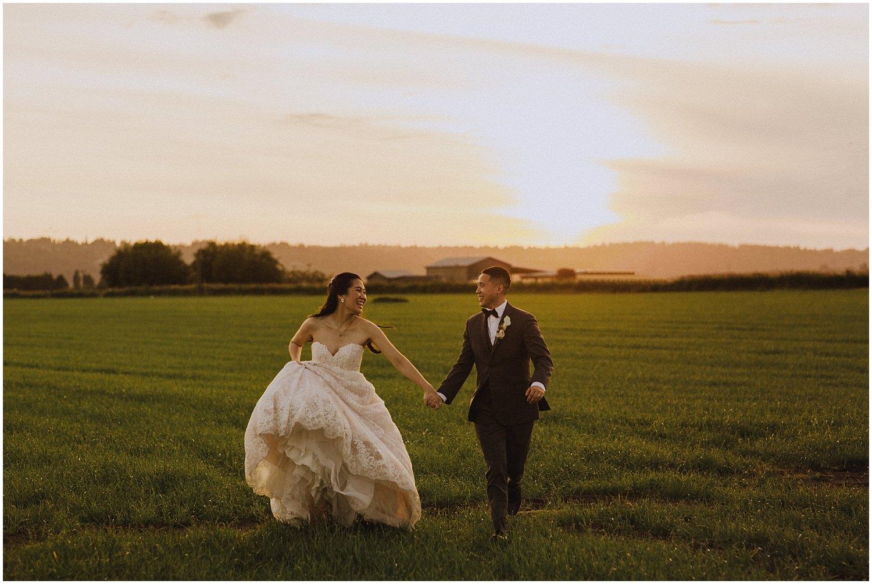 thomas family farm seattle snohomish wedding